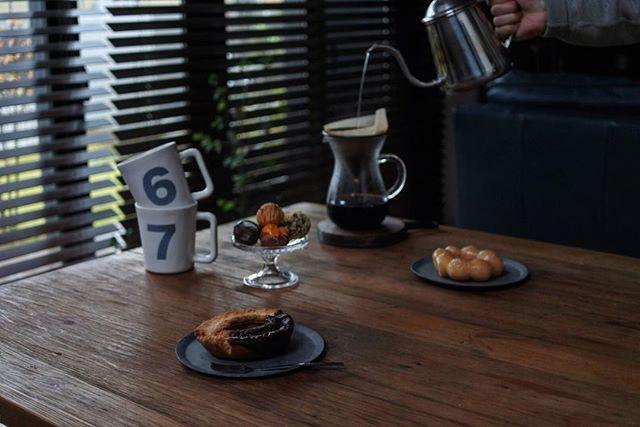 カフェ風のリビングインテリア10