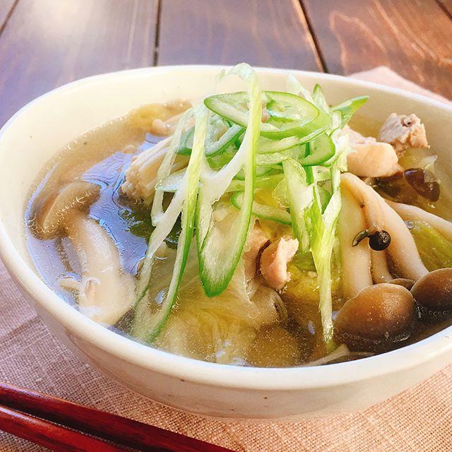 美味しい和食に!きのこと鶏肉と白菜の鍋