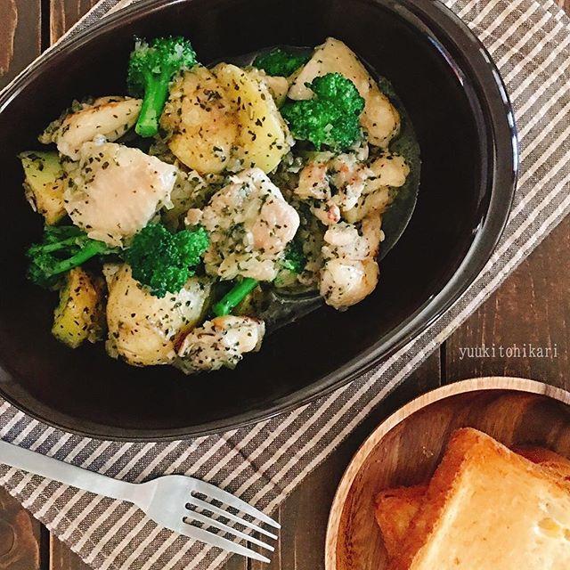 洋食に!鶏肉とポテトのオニオンガーリックソテー