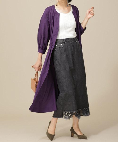 ロングシャツ×黒デニムタイトスカートコーデ