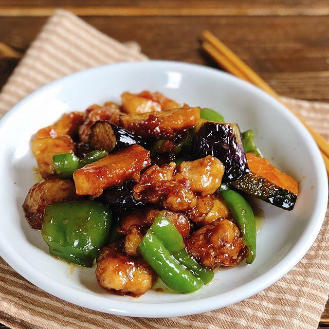 人気の和食に!簡単な鶏肉と夏野菜の甘酢炒め