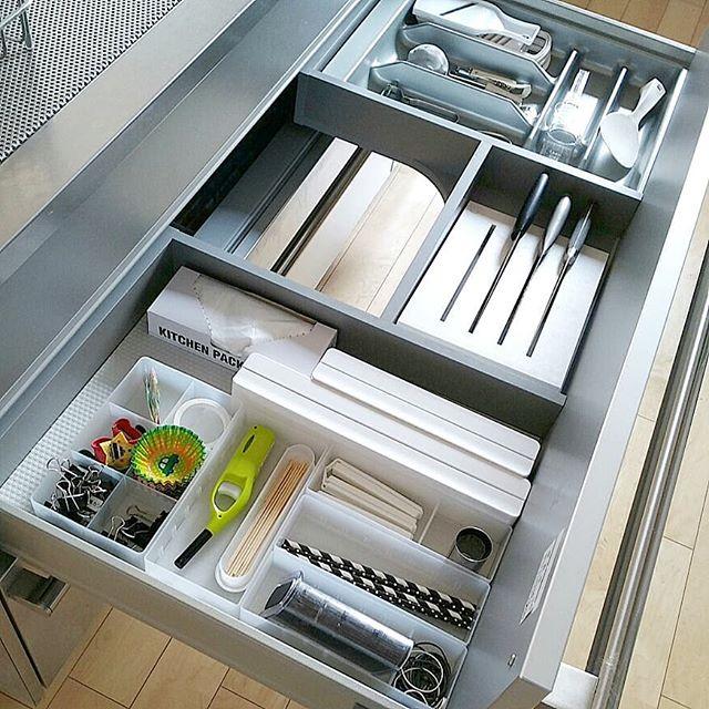 台所用の調理小物はトレイ収納がおすすめ!