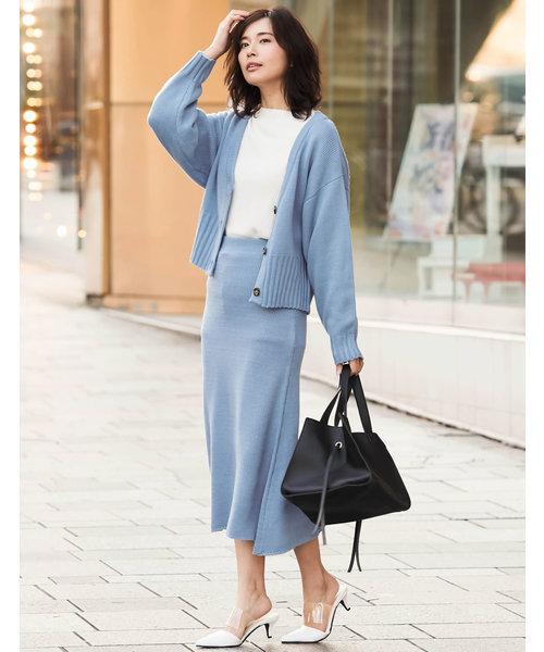 青ニットカーディガン×ブルータイトスカート