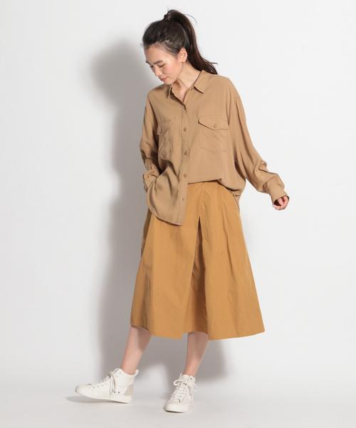 大人の秋のシャツ×ロングスカートコーデ7
