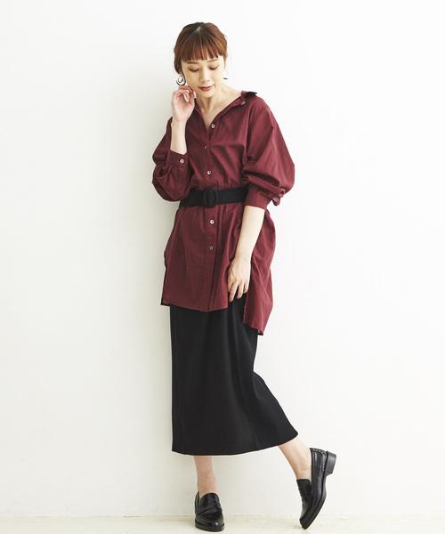 ロングシャツ×黒タイトスカートコーデ