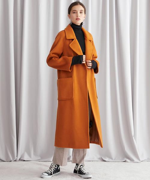 オレンジビックカラーコート×スニーカー