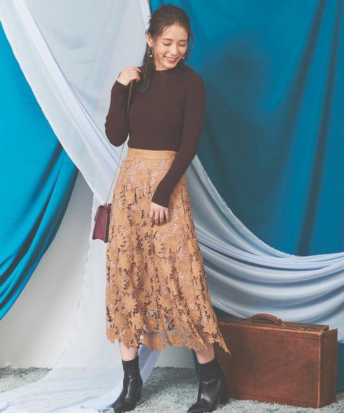 ハイネックニット×ファッションスカート