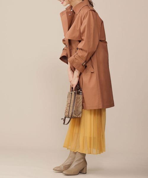 黄色プリーツスカート×キャメルトレンチ
