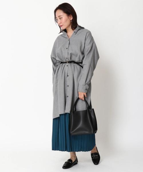 グレーワンピース×上品スカート