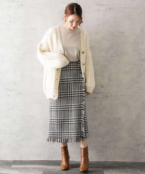 ルーズカーディガン×フリンジタイトスカート