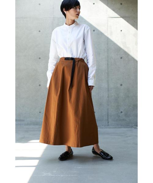 大人の秋のシャツ×ロングスカートコーデ5