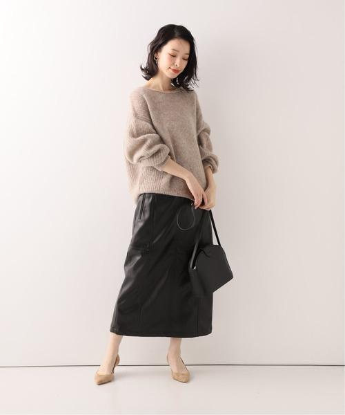 ボリュームニット×フェイクレザースカート
