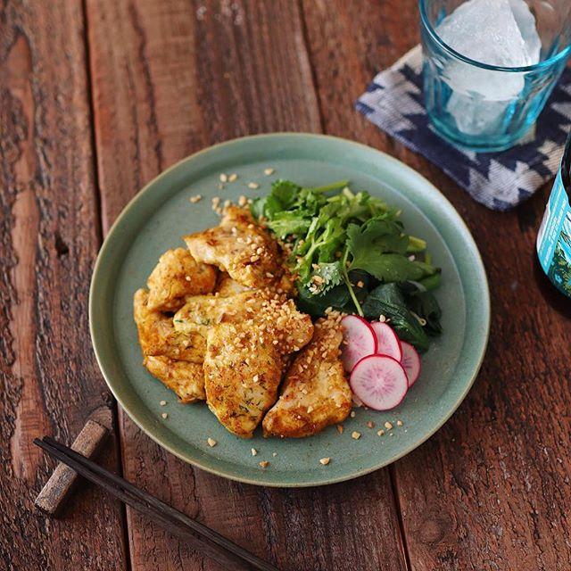簡単な料理に!鶏むね肉のカレーグリル