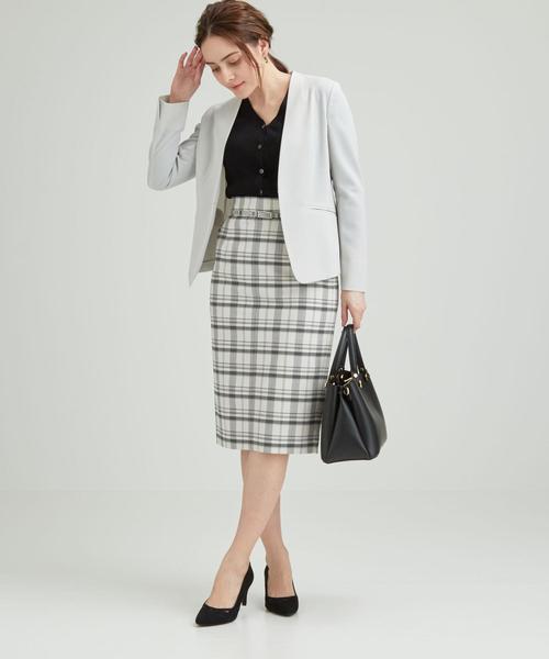 ノーカラージャケット×ベルトタイトスカート