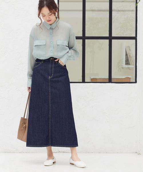 シアーシャツ×Aラインデニムスカート