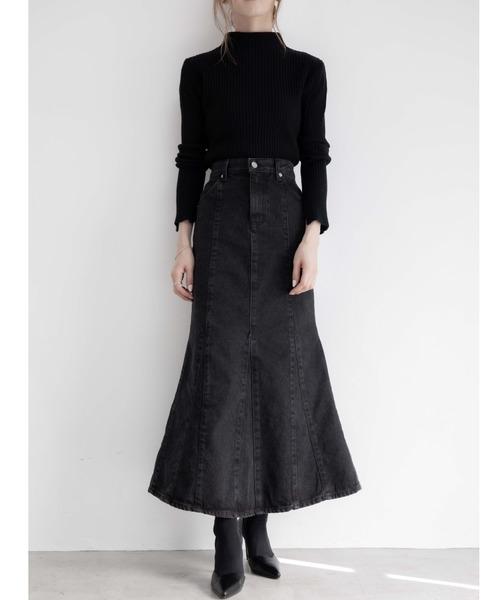黒ニットトップス×マーメイドスカート
