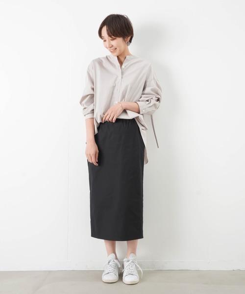 ビッグシャツ×黒タイトスカートコーデ