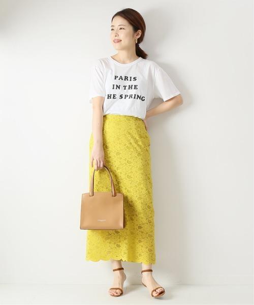 白Tシャツの大人女性コーデ10