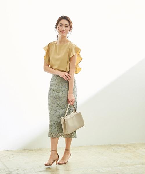 黄色フリルブラウス×くすみグリーンスカート