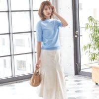 青色トップスコーデ【2020最新】大人女性の垢抜けファッションを季節別にご紹介