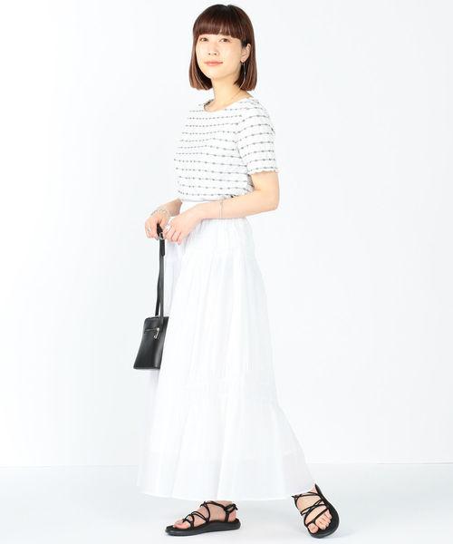 柄Tシャツ×アシンメトリースカート