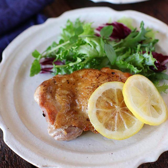 簡単な洋食!チキンソテーレモンバターソース