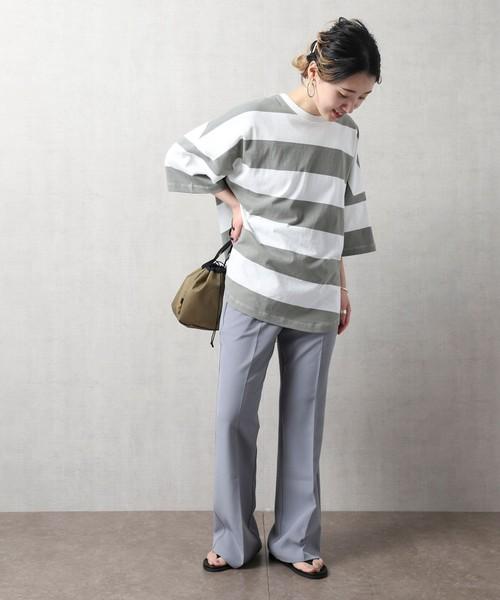 フレア裾が今どきなセンタープレスパンツ