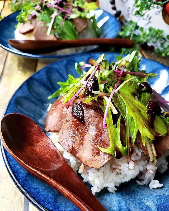 人気の洋食ご飯!ローストビーフ丼