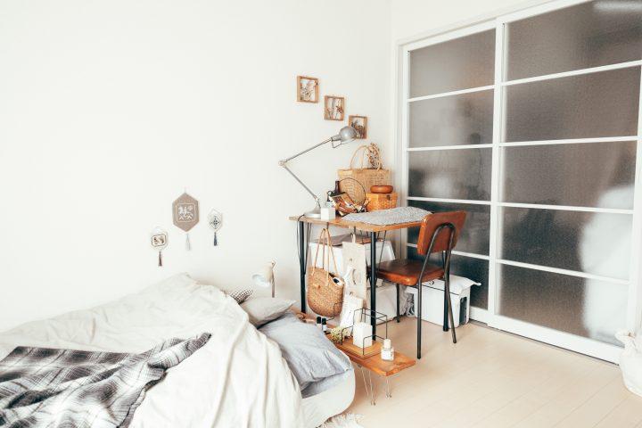 お部屋にぴったりなものがなかったために作ってみたというインテリア。
