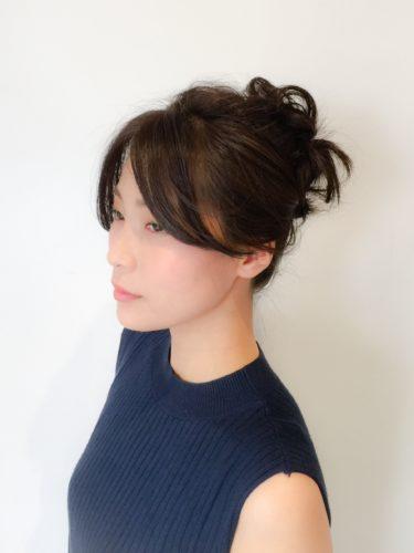 黒髪ミディアムヘアアレンジ《シニヨン》2