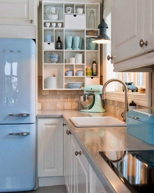 青色食器で彩るキッチン