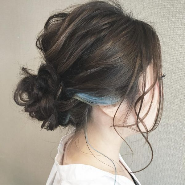 ミディアム×ブルー系インナーカラー