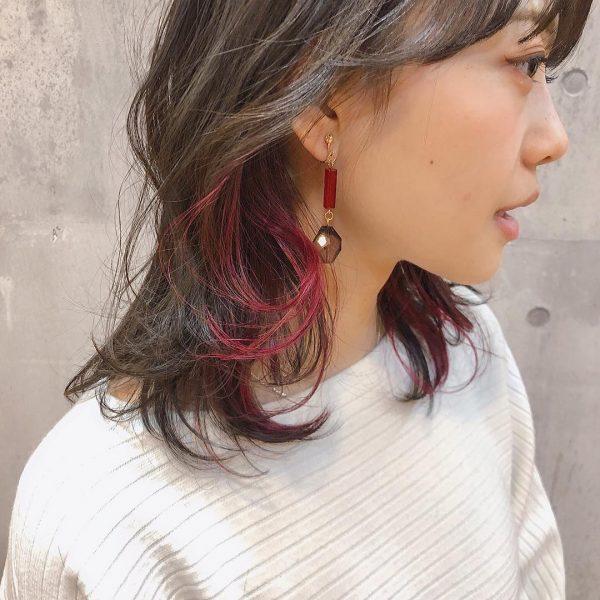 ミディアム×ピンク系インナーカラー
