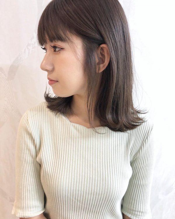 丸顔×清楚な雰囲気の黒髪ミディアム