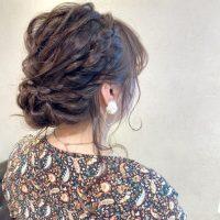 ミディアムの編み込みヘアアレンジ特集!大人に似合うおしゃれな髪型をご紹介