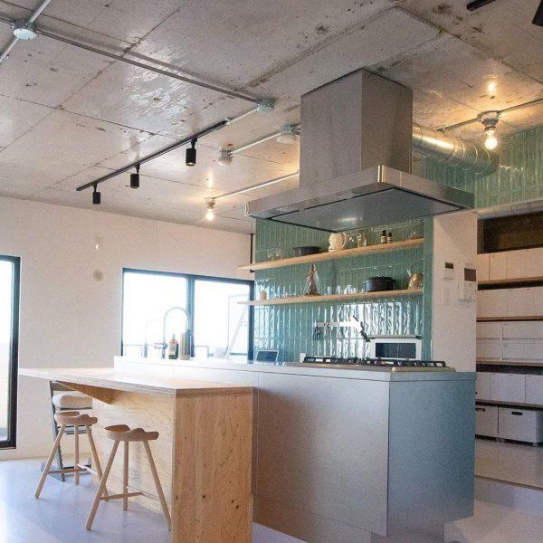 カフェのような寛ぎの空間を演出