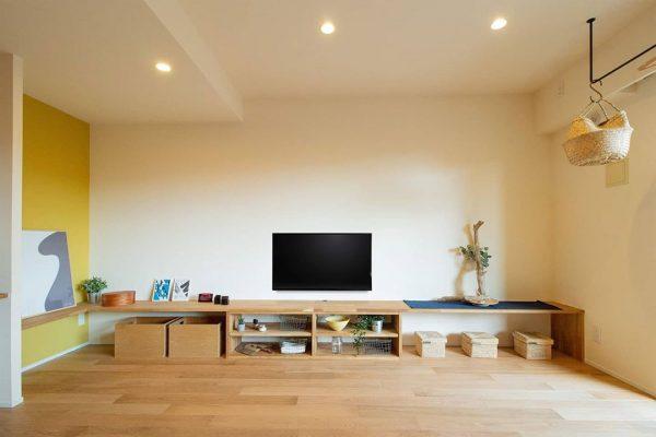 壁一面を使用した造作テレビボード