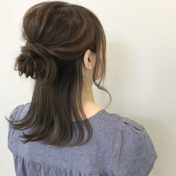黒髪ミディアムヘアアレンジ《ハーフアップ》6