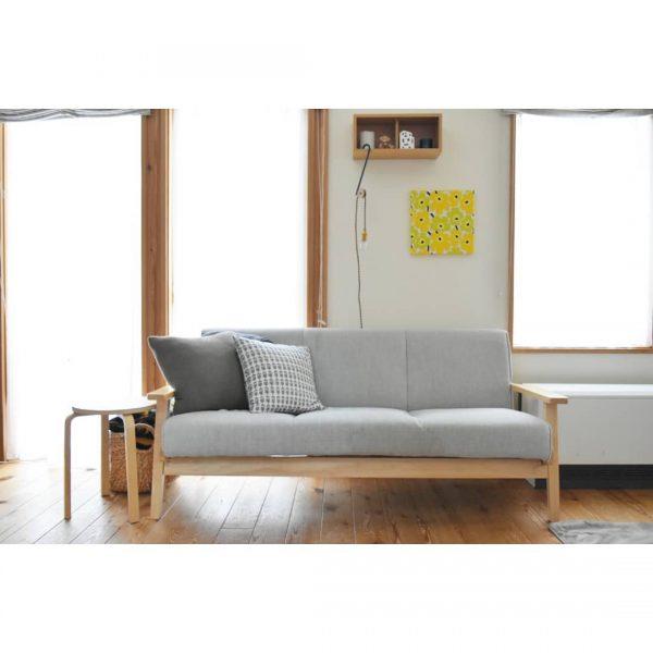 木のソファー