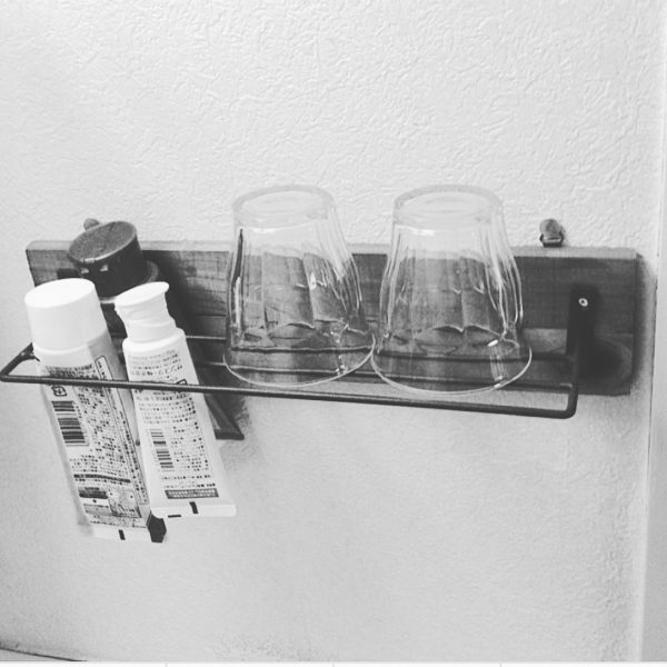 洗面所コップの収納アイデア2