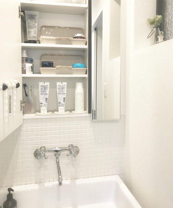 洗面所コップの収納アイデア5