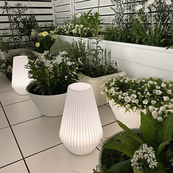 IKEA新商品の太陽電池式フロアランプ