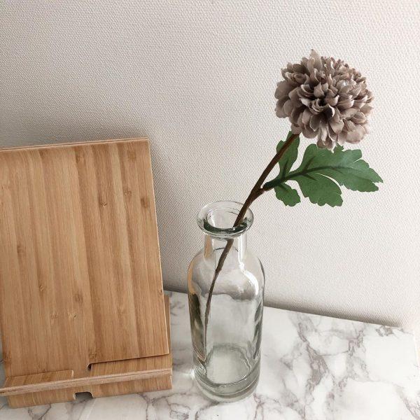 IKEAのおしゃれな竹製タブレットスタンド