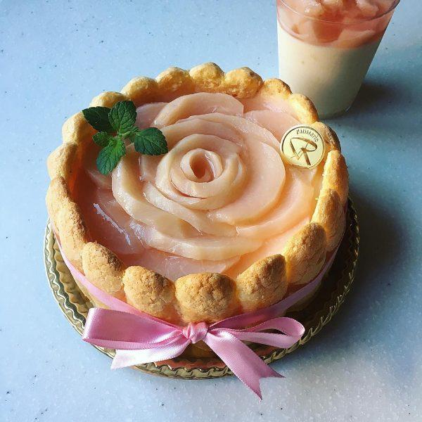 お花みたいな桃スイーツレシピ!シャルロット