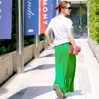 夏の緑スカートコーデ【2020】おしゃれ上手に見える組み合わせ方は?