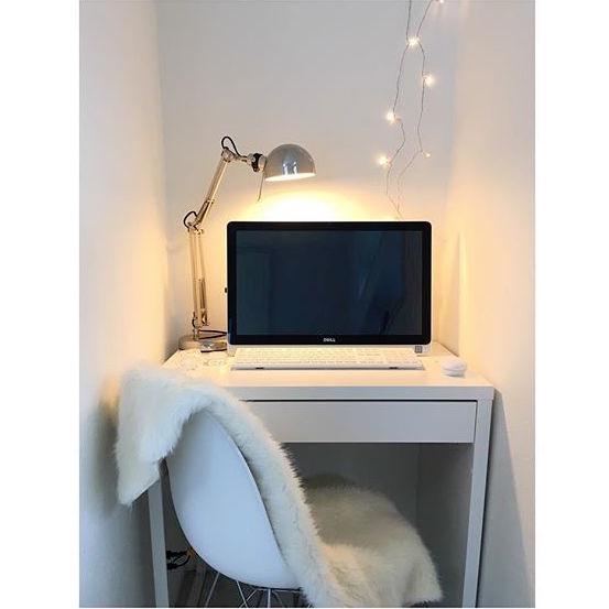 書斎のレイアウト実例《机の形》3