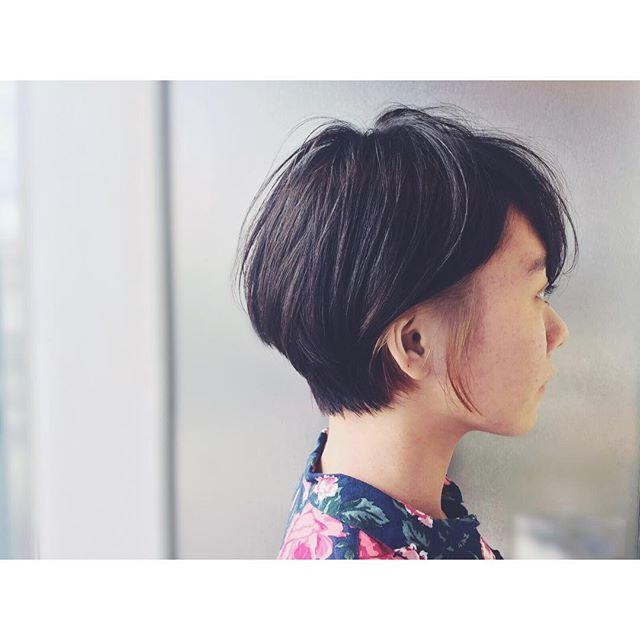 ショートヘアに合う冬の髪色3