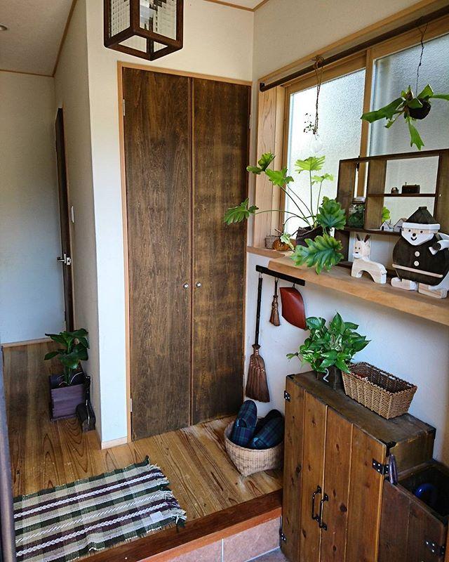 掃除道具を玄関に収納
