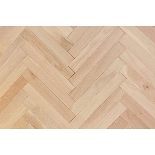 ヘリンボーンの床の特徴①張り方