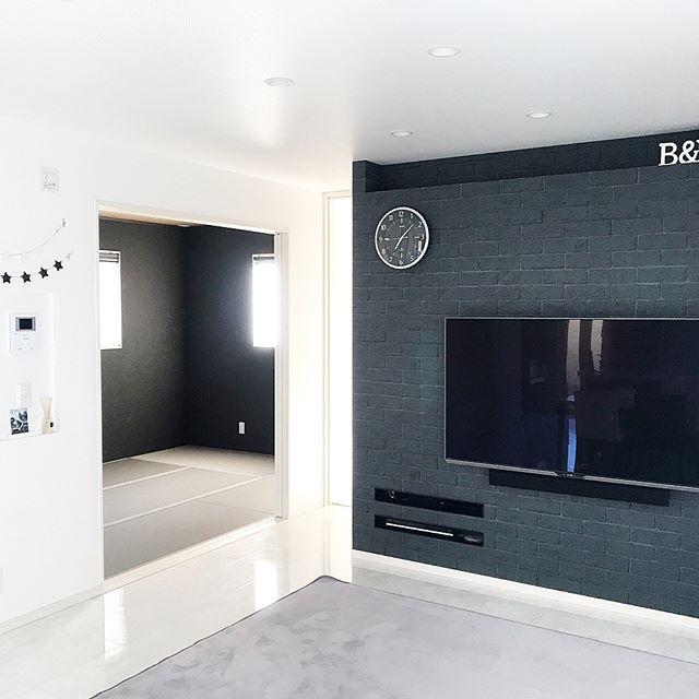 スッキリおしゃれな壁紙の和室の内装